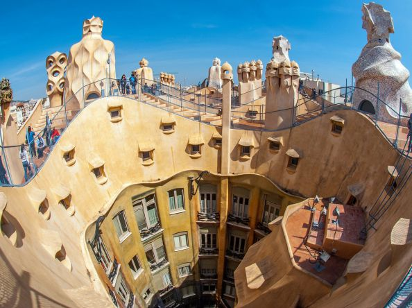 Experience culture, sport, shopping and nightlife – Barcelona